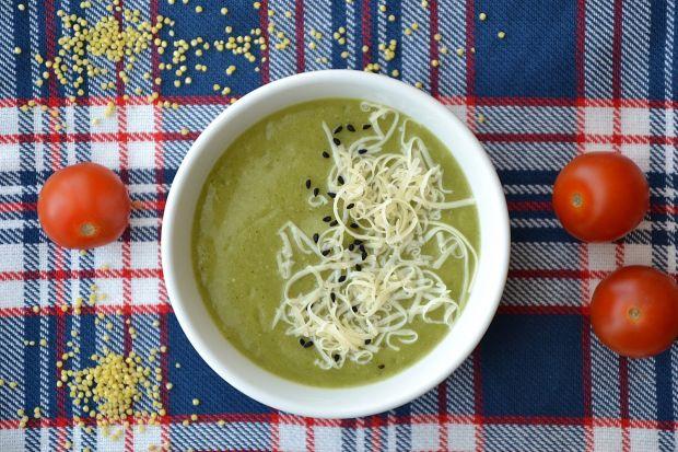Zupa krem z brokułów i kaszy jaglanej