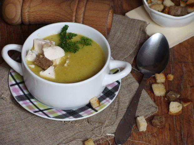 Zupa krem z brokułów z pieczonym kurczakiem
