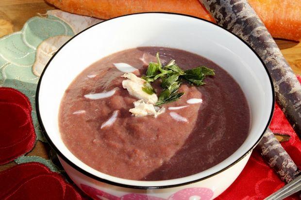 Zupa krem z fioletowej marchwi