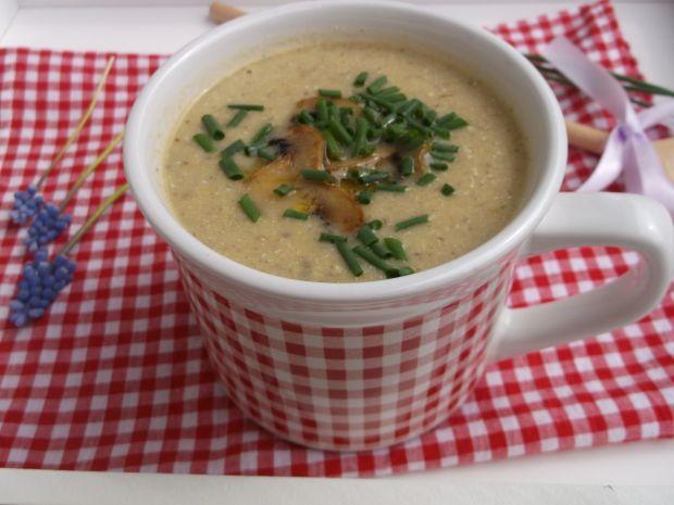 Zupa - krem z pieczarek z serkiem ricotta
