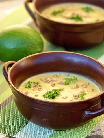 zupa krem z pieczonego selera i awokado
