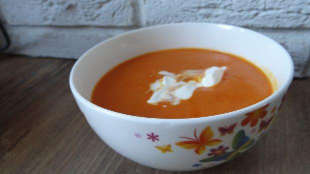 Zupa krem z pieczonej dyni i papryki