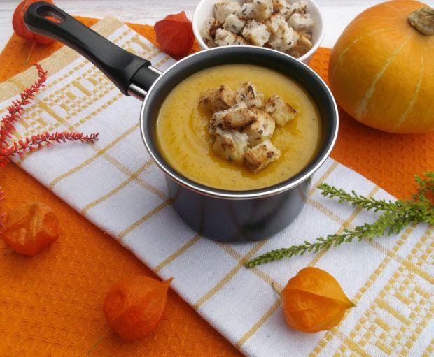 Zupa krem z pieczonej dyni z trawą cytrynową