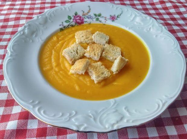 Zupa kukurydziano-dyniowa