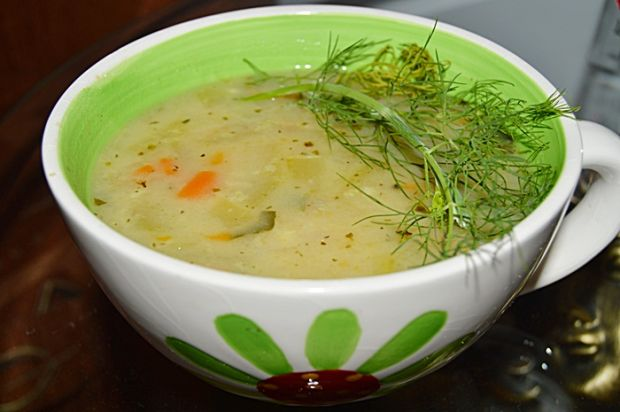 Zupa marchewkowo-cukiniowa z kaszą jaglaną