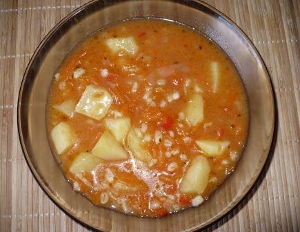 Zupa marchewkowo - paprykowa z pęczakiem