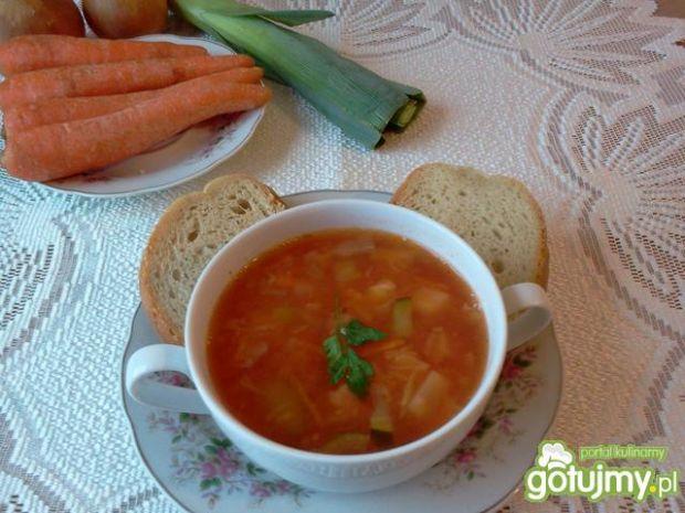 Zupa mega śmieciówka z kapustą kiszoną:)