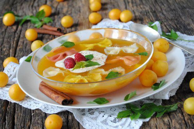 Zupa mirabelkowa