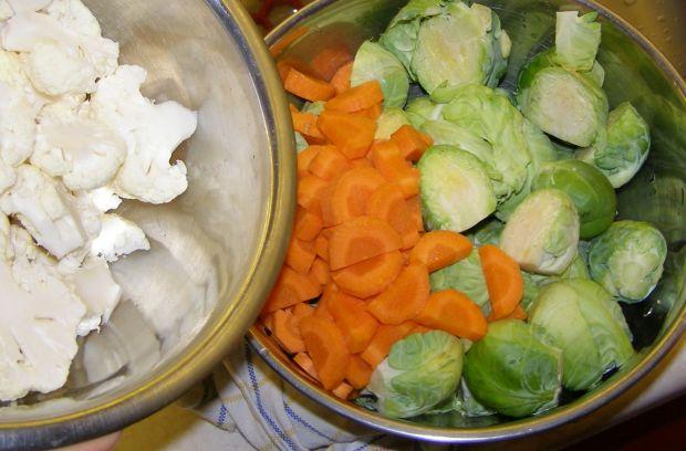 Zupa na maśle z brukselką i kaszą jęczmienną