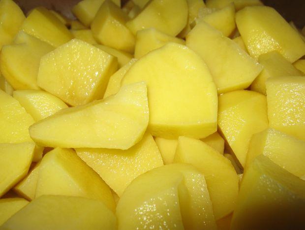 Zupa na mięsie z ziemniakami i jajkiem