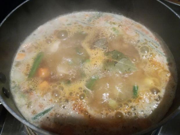 Zupa orientalna z makaronem