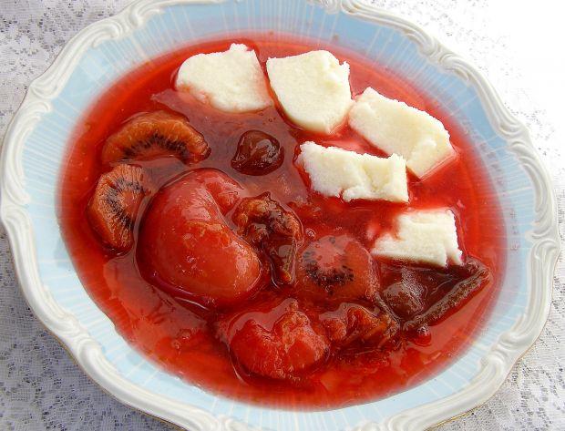 Zupa owocowa z kaszą manną