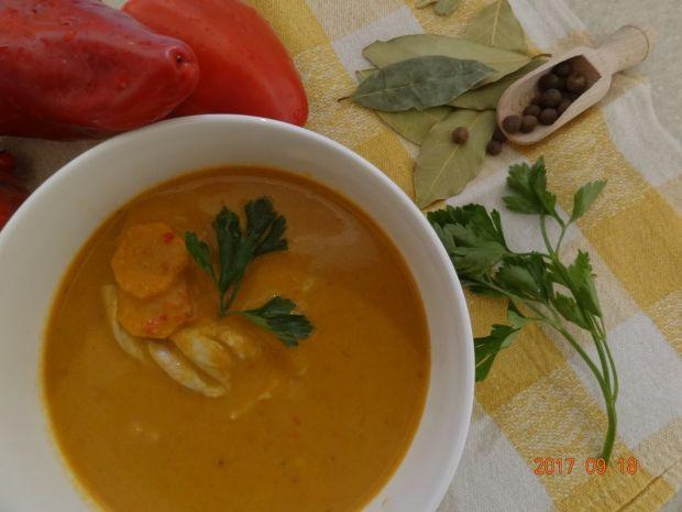 Zupa paprykowa z bakłażanem