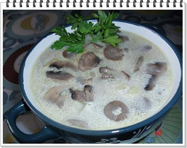 Zupa pieczarkowa Eli z ziemniakami