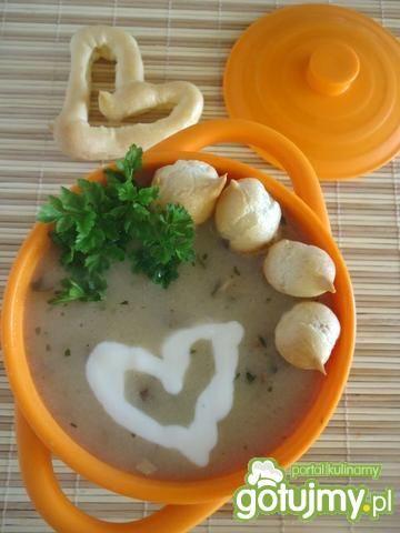 Zupa pieczarkowa z groszkiem ptysiowym