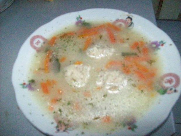 Zupa pieczarkowa z knedelkami ryżowymi