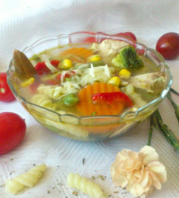 Zupa po włosku z kurczakiem i mozzarellą wg Di