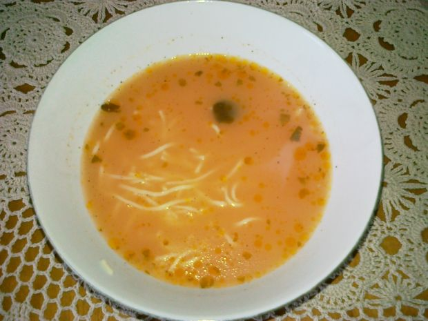 Zupa pomidorowa na koncentracie