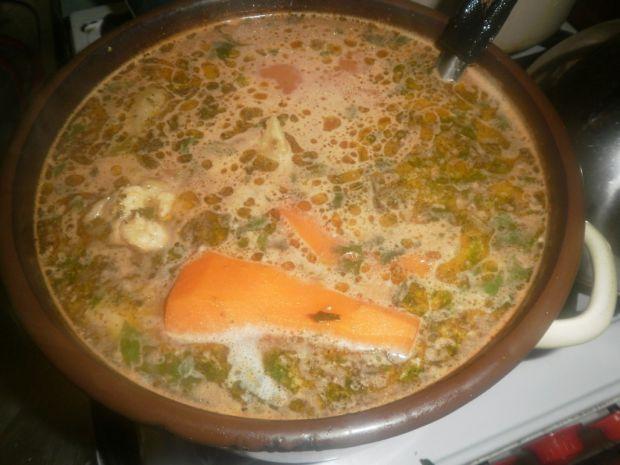 Zupa pomidorowa na udkach