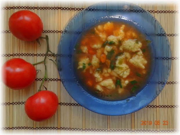 Zupa pomidorowa z lanym ciastem