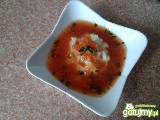 Zupa pomidorowa z paprykowym kremem