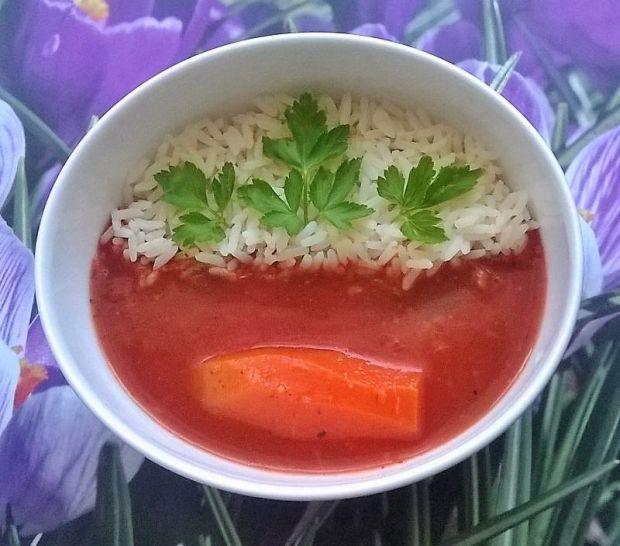 Zupa pomidorowa z ryżem i miodem