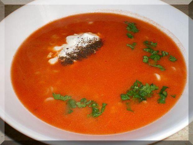 Zupa pomidorowo bakłażanowa z anellini