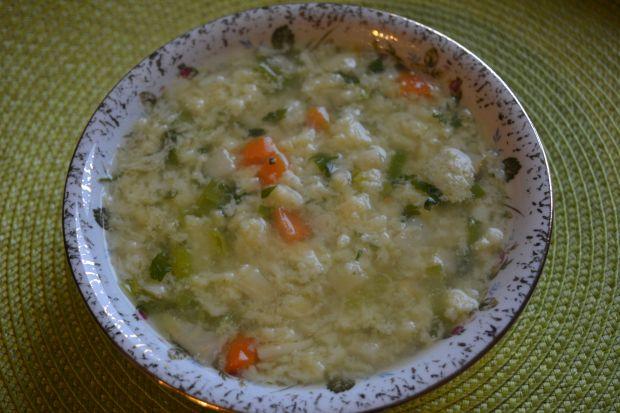 Zupa porowa z lanym ciastem