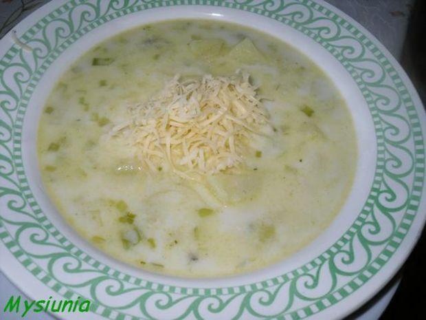 zupa porowa z serem
