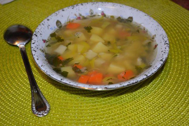 Zupa porowa z soczewicą