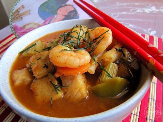 Zupa rybna z chińskim sosem