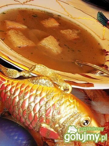 Zupa rybna z głów karpia