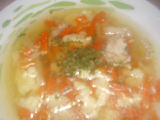 Zupa rybna z lanymi kluseczkami