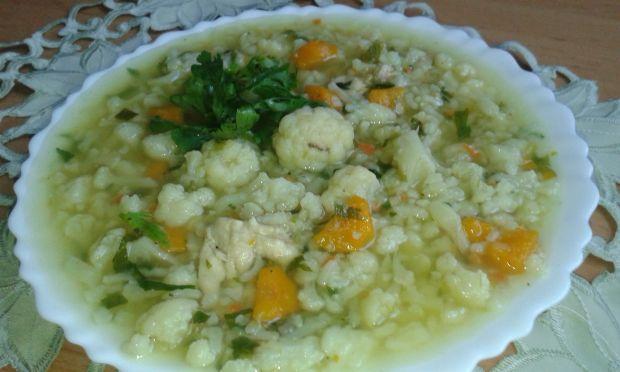 Zupa ryżowa z kalafiorem
