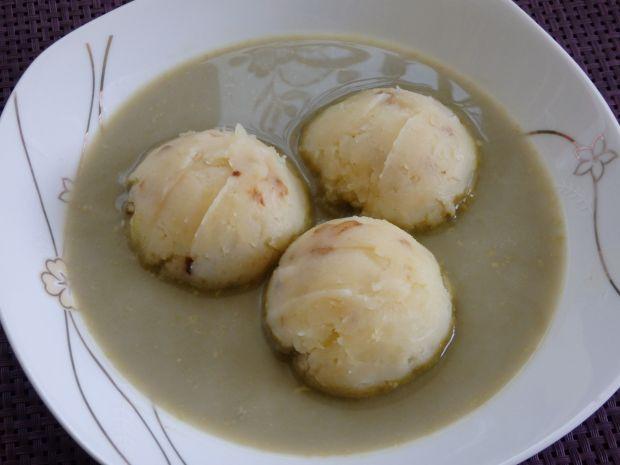 Zupa szczawiowa z tłuczonymi ziemniakami