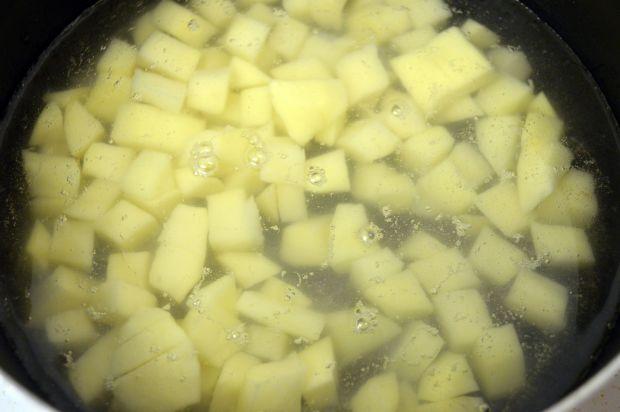 Zupa szczawiowa z ziemniakami i jajkiem