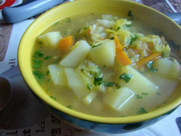 Zupa warzywna z dodatkiem cukinii