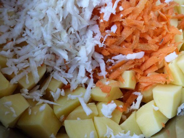 Zupa warzywna z fasolą i kukurydzą