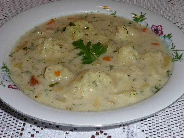 Zupa warzywna z kalafiorem