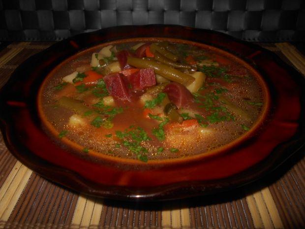 Zupa z buraczkami i fasolką