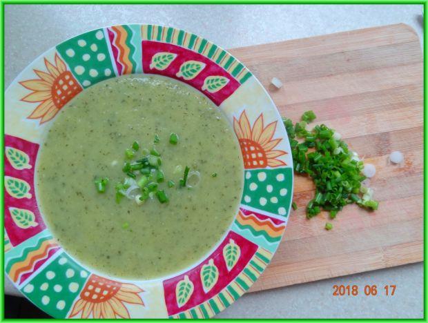 Zupa z cukinii i selera naciowego