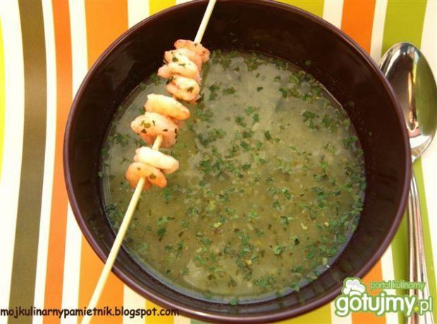 Zupa z cukinii z czosnkowymi krewetkami
