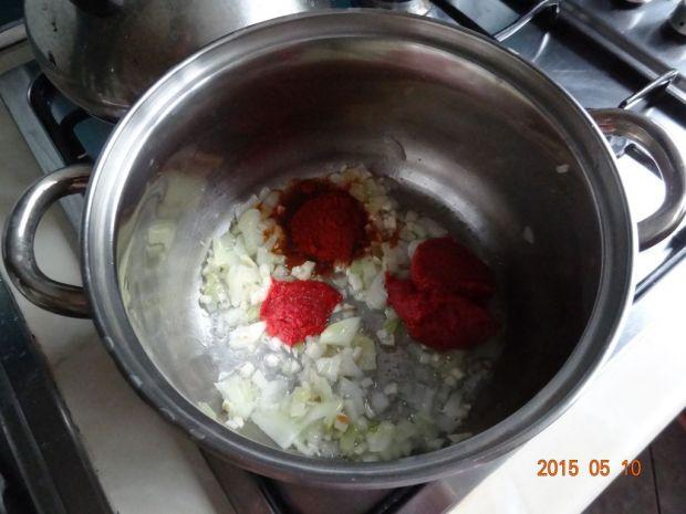 Zupa z czerwonej soczewicy z limonką