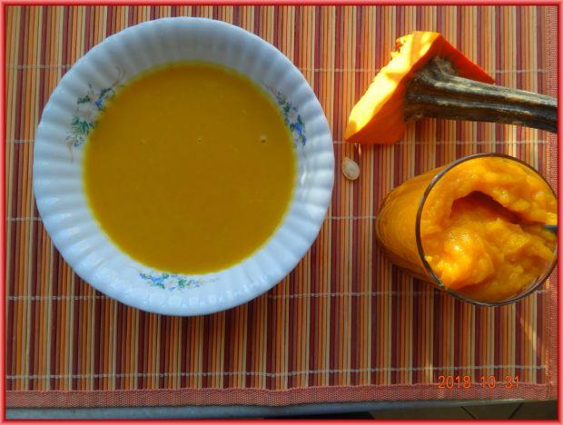 Zupa z dyni z dodatkiem jabłka
