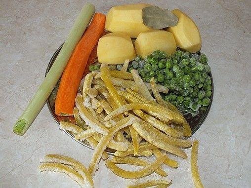 Zupa z fasolką szparagową i groszkiem