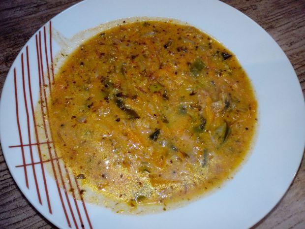 Zupa z kapustą pekińską
