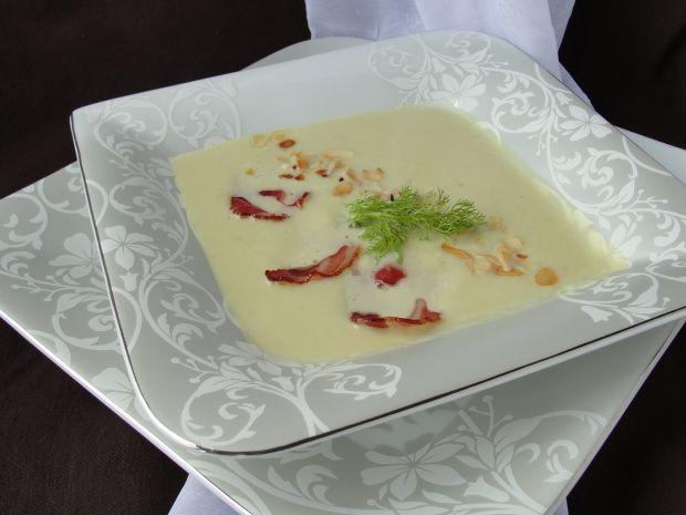 Zupa z kopru włoskiego z cukinią