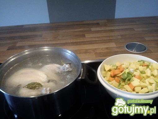Zupa z kurczakiem i warzywami