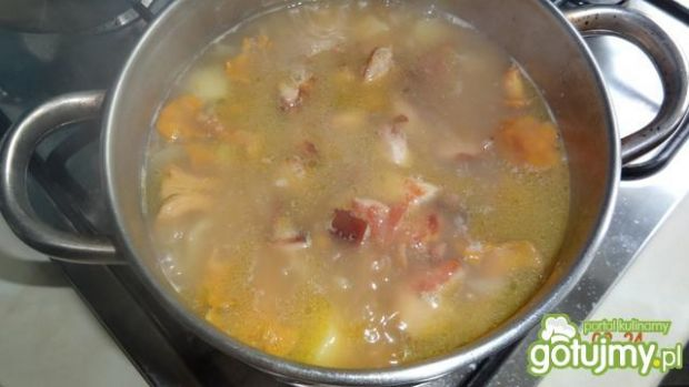 Zupa z kurkami i kęskami piwnymi