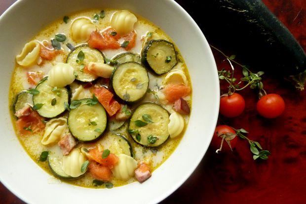 Zupa Z Mlodej Cukinii I Pomidorow Z Makaronem Przepis Gotujmy Pl